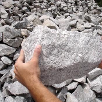 Pedra para Alicerce (de mão)